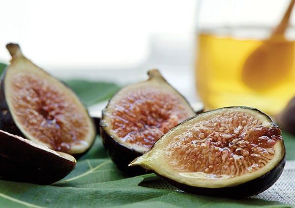 Fresh Figs with Honey | Family Life Tips Magazine